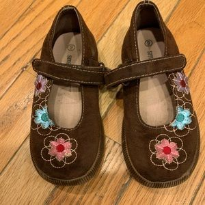 Girls smart fit brown Mary Jane shoes 9